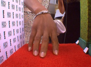 Kerry Washington Mani Cam at 2015 SAG Awards