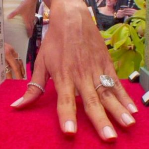 Sofia Vergara Mani Cam at 2015 SAG Awards